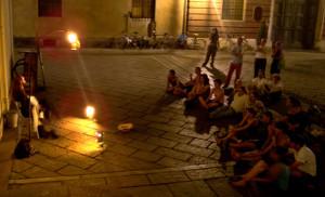 M. Gobetti di fianco al Duomo a Torino, con il suo Teatro Stabile di Strada - foto di A.D. Arcostanzo